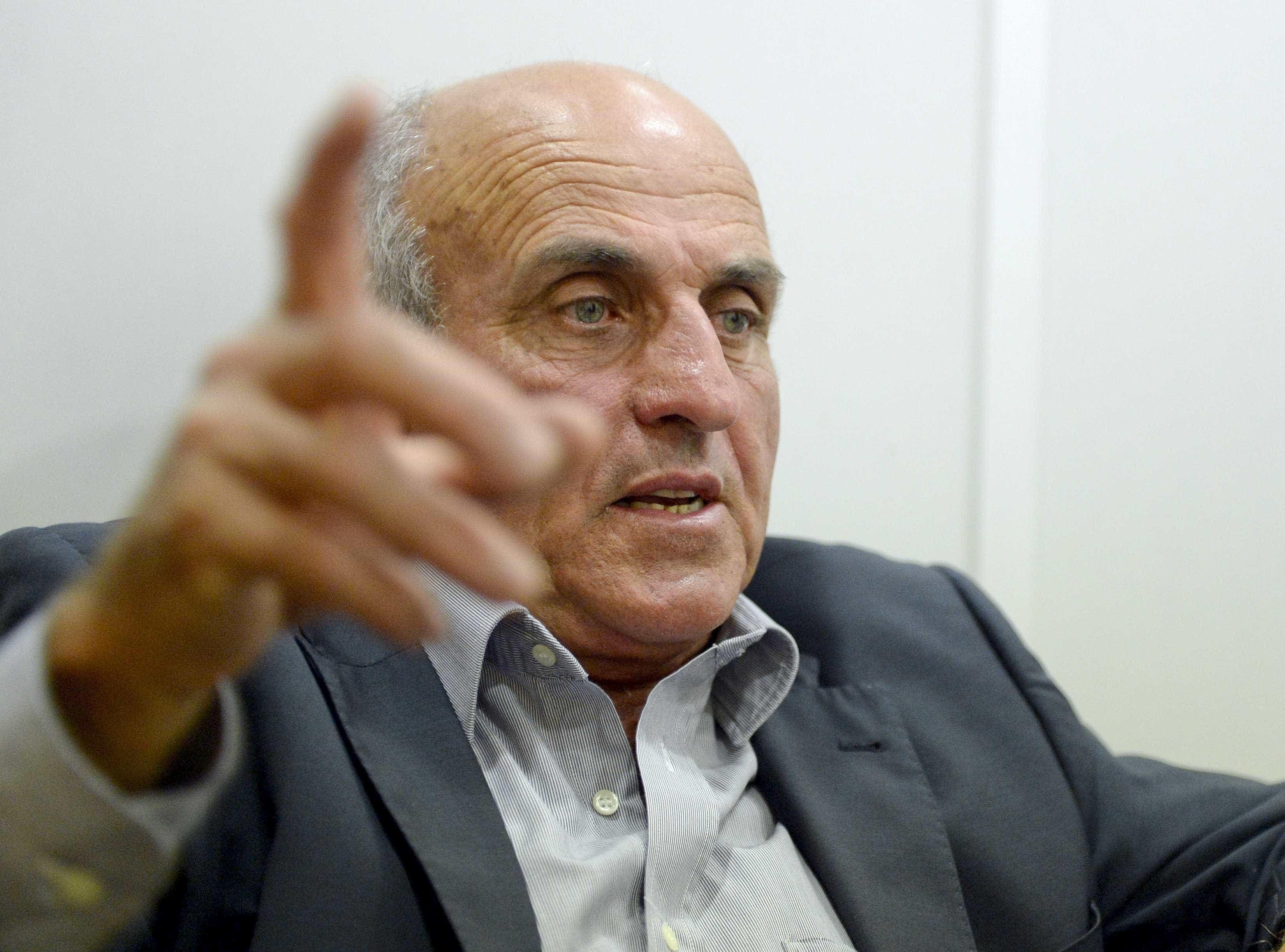Julgamento de José Manuel Coelho começou sem arguido, que chegou atrasado