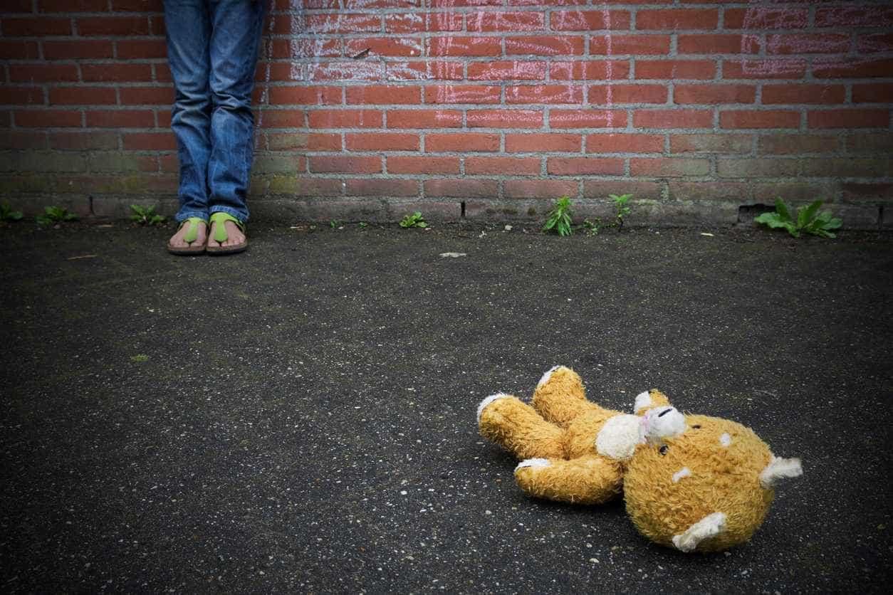 Babysitter acusado de quatro crimes de abuso sexual de crianças