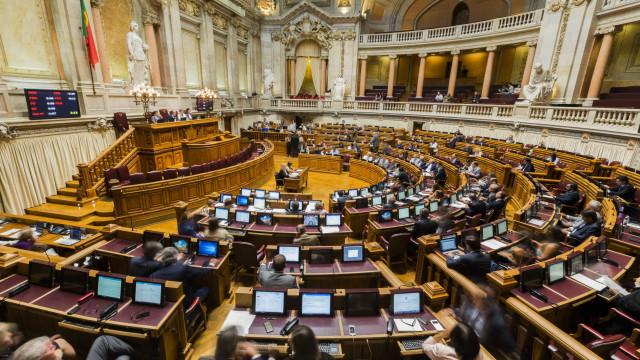Maioria chumba pedido do PSD para conhecer acordo entre Governo e juízes