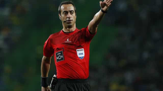 Jorge Sousa apita o FC Porto-Benfica