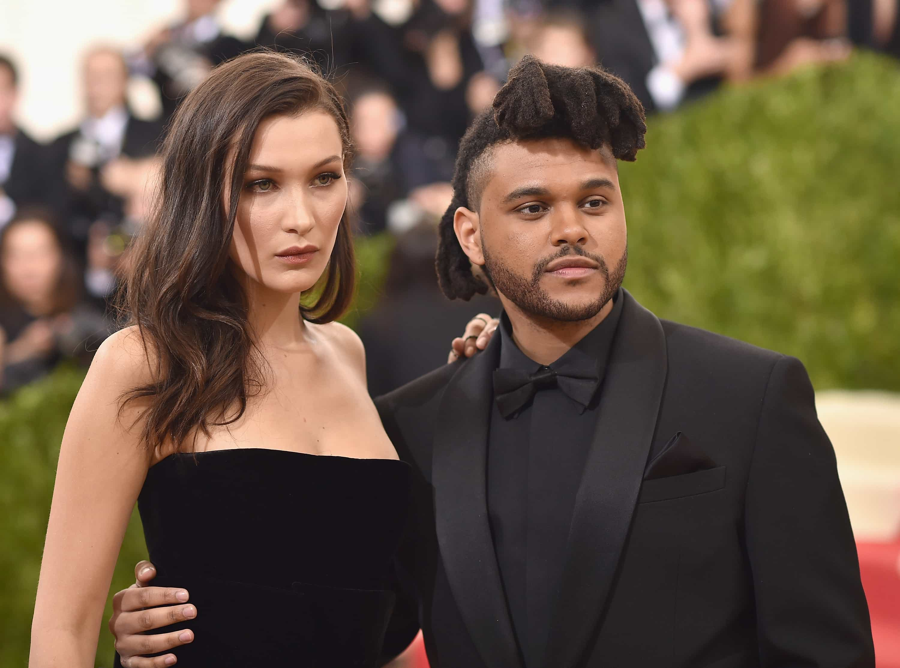 Finalmente! The Weeknd assume publicamente namoro com Bella Hadid