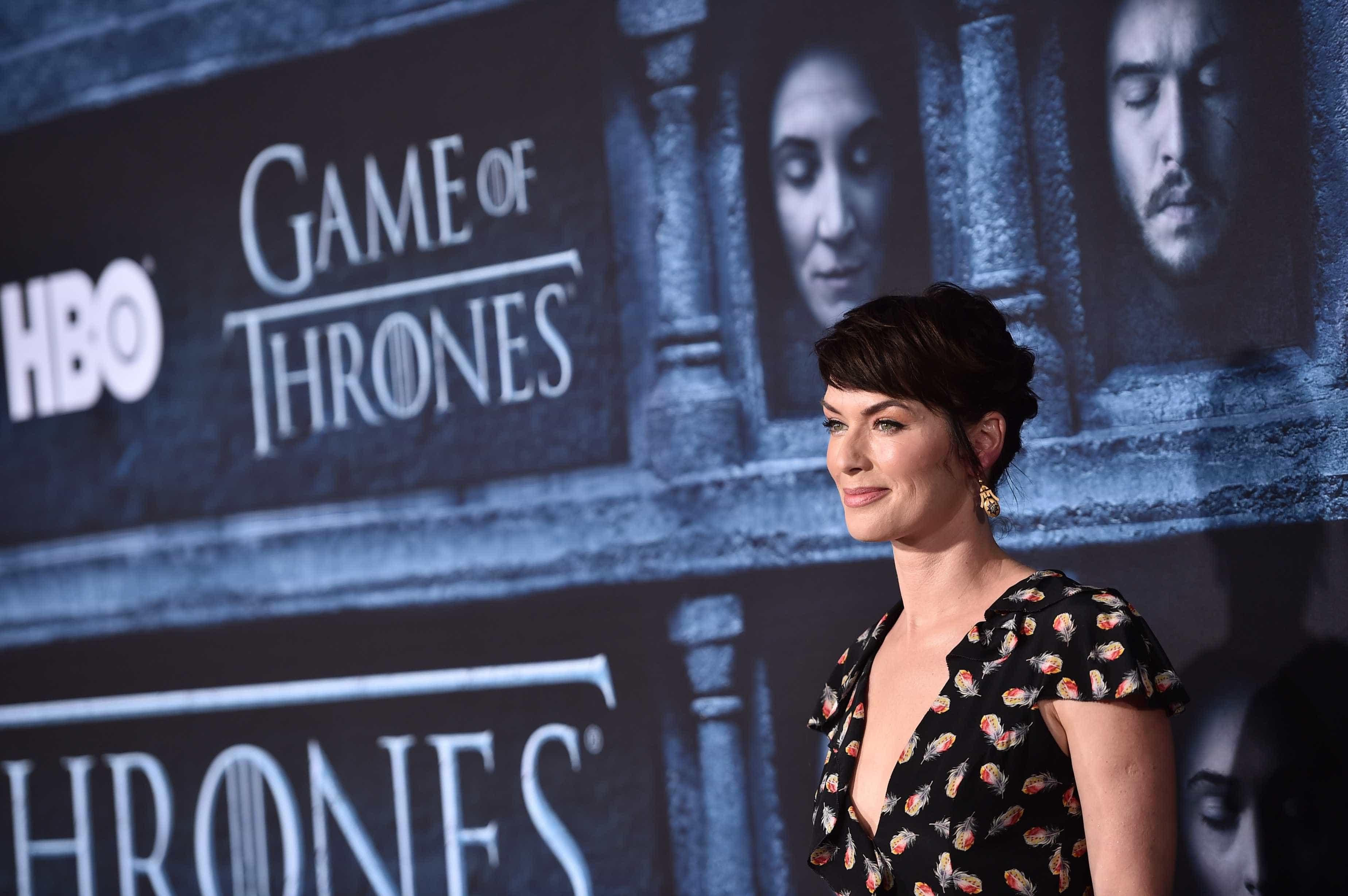 Lena Headey comovida com relato de Emilia Clarke sobre aneurismas