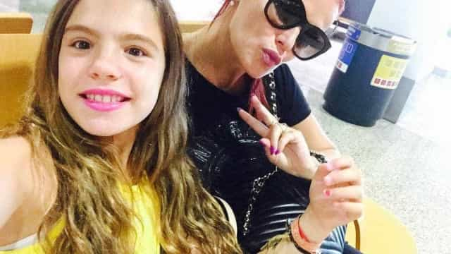 """Elma Aveiro desfila ao lado da filha. """"Orgulho da minha vida"""""""