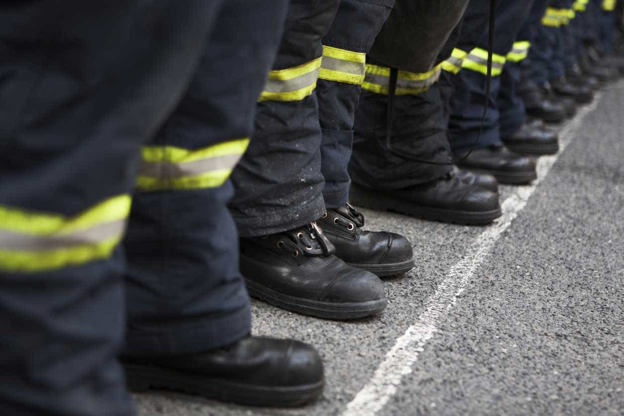 Ministério Público investiga uso de carros de bombeiros em manifestação