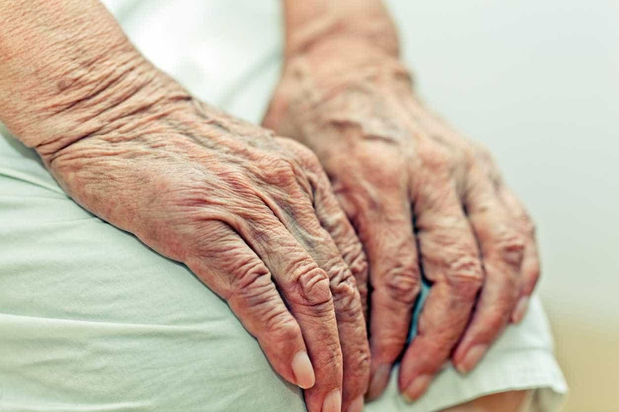 Mulher detida em flagrante a asfixiar a mãe de 87 anos