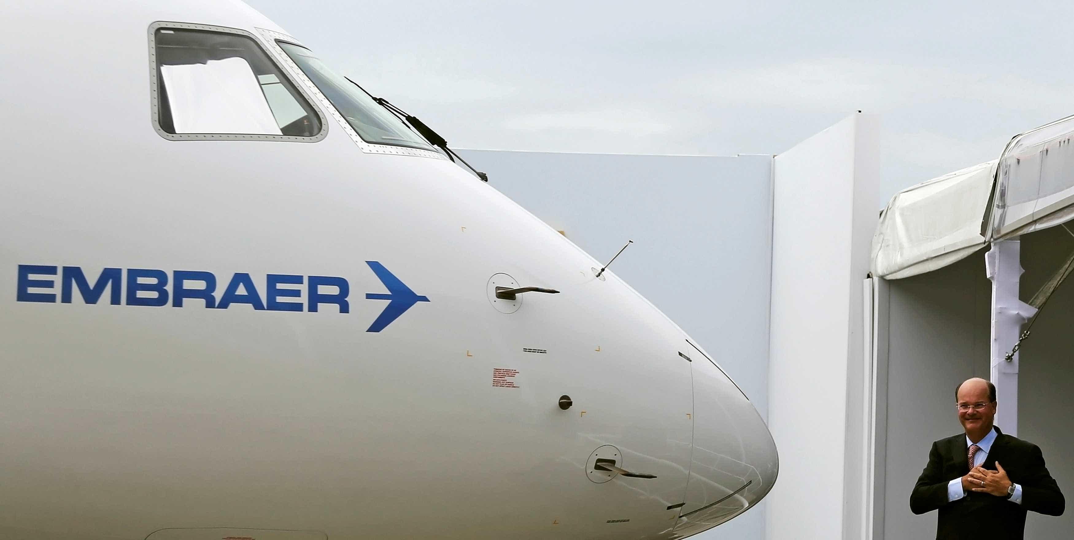 Fabricante de aeronaves Embraer anuncia que presidente vai deixar cargo