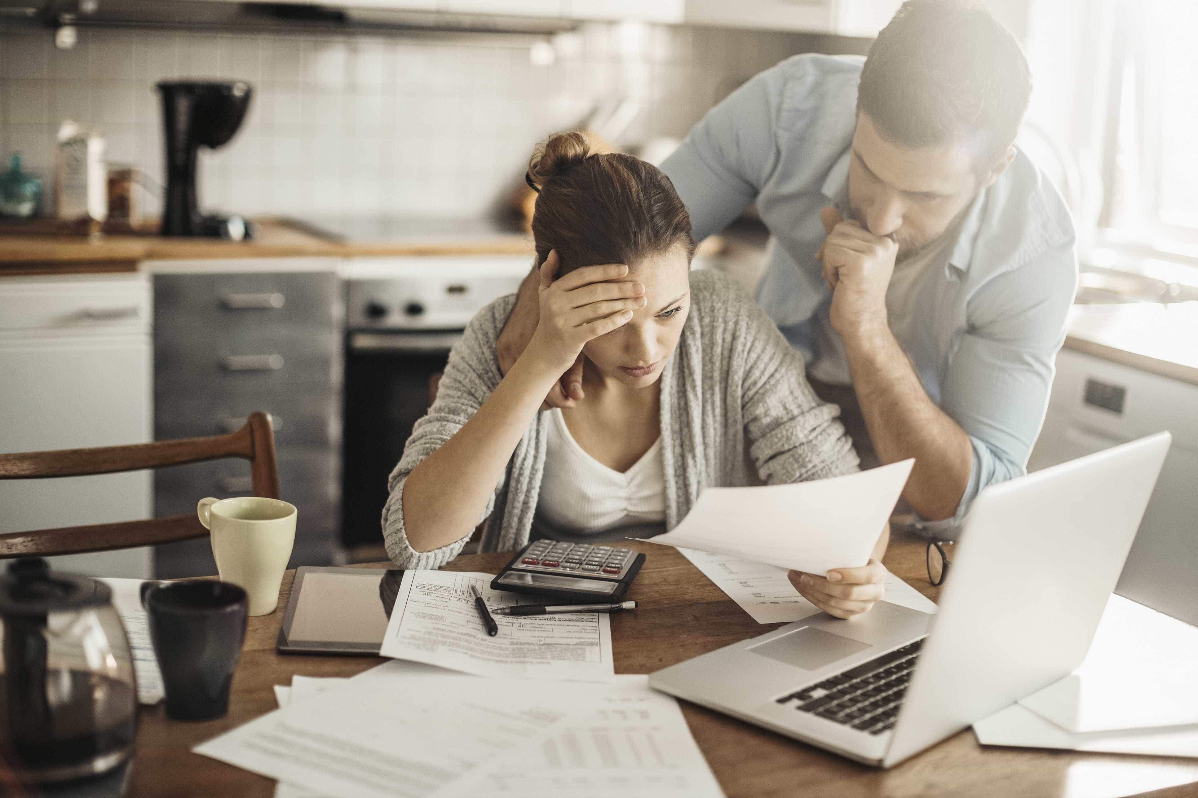 Se tem dificuldades em pagar dívidas antigas deve fazer isto