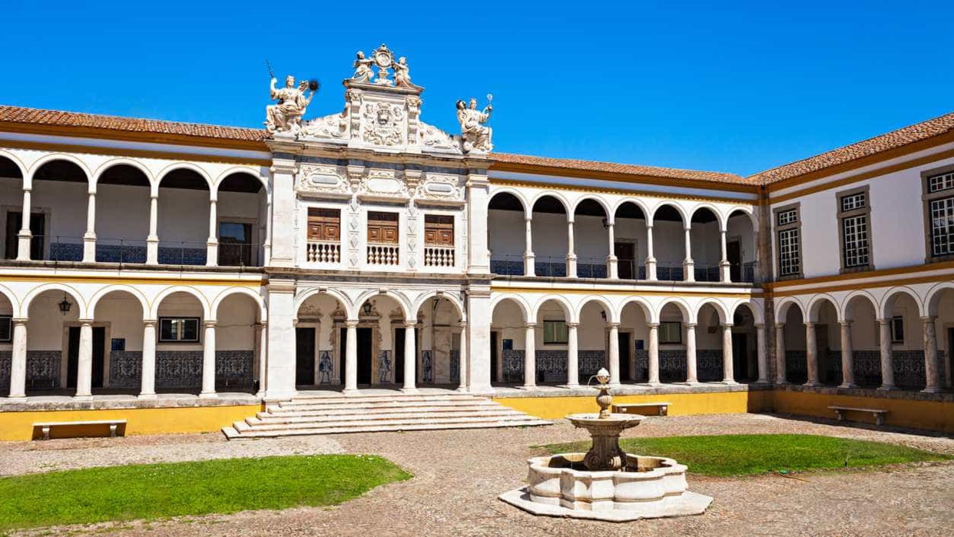 Universidade de Évora com 31 cursos 'cheios' e vagas ainda em três