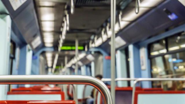 Linha Azul do Metro interrompida entre o Marquês e Praça de Espanha