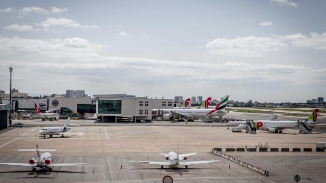 Aterragens e descolagens no Aeroporto de Lisboa estiveram suspensas