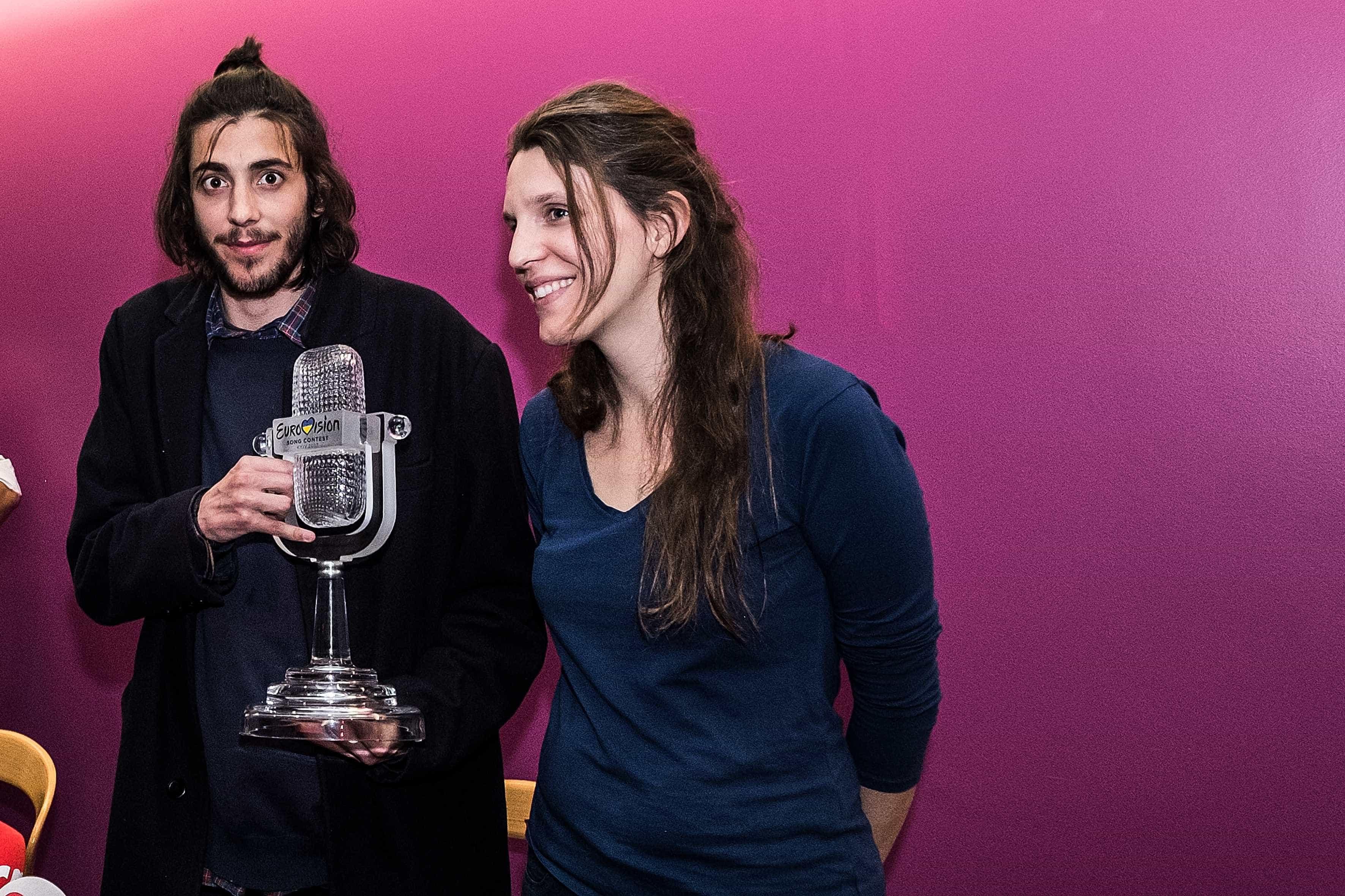 Luísa Sobral recorda vitória na Eurovisão e fala do irmão