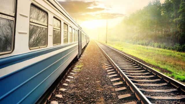 Restabelecida circulação ferroviária após atropelamento que fez um morto