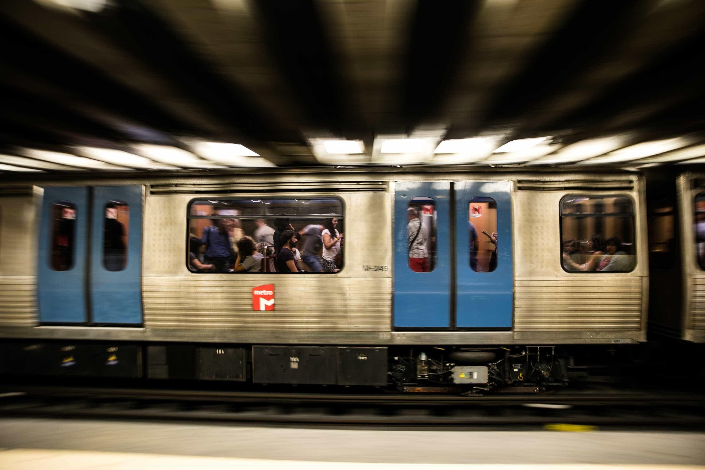 Linha azul do Metro interrompida devido a avaria