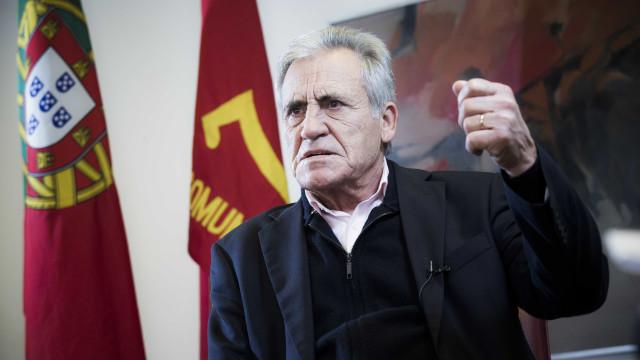 """PCP insiste na dissolução da NATO como """"exigência da defesa da paz"""""""