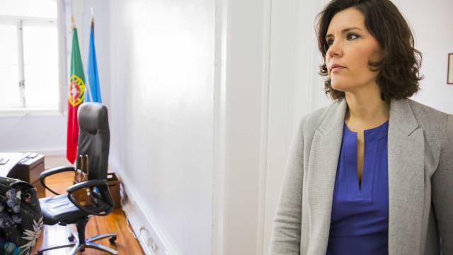 """Assunção Cristas expressa """"profundo pesar pela tragédia"""" da Madeira"""