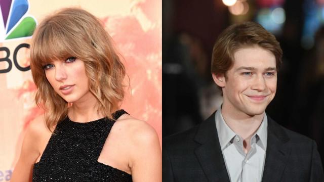 Em rara ocasião, Taylor Swift apoia trabalho do namorado publicamente