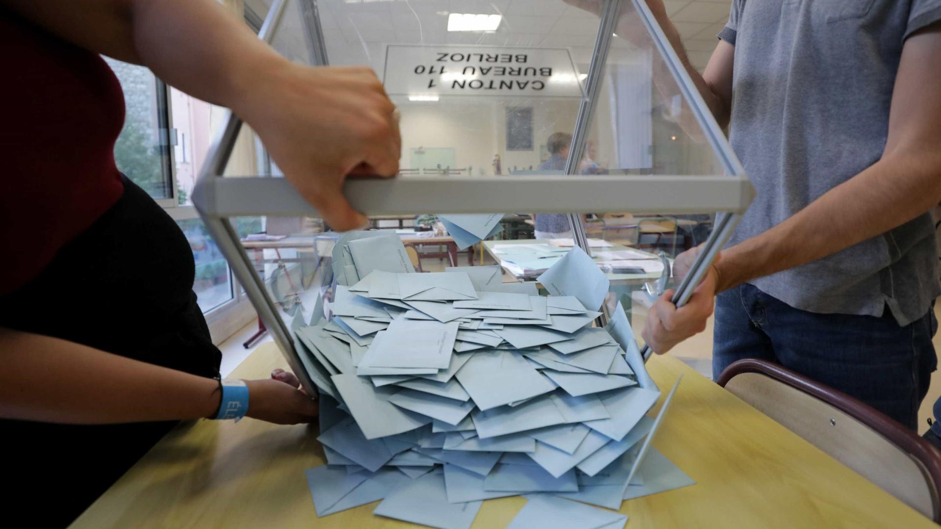 Eleições no Irão: Votação estendida por mais duas horas