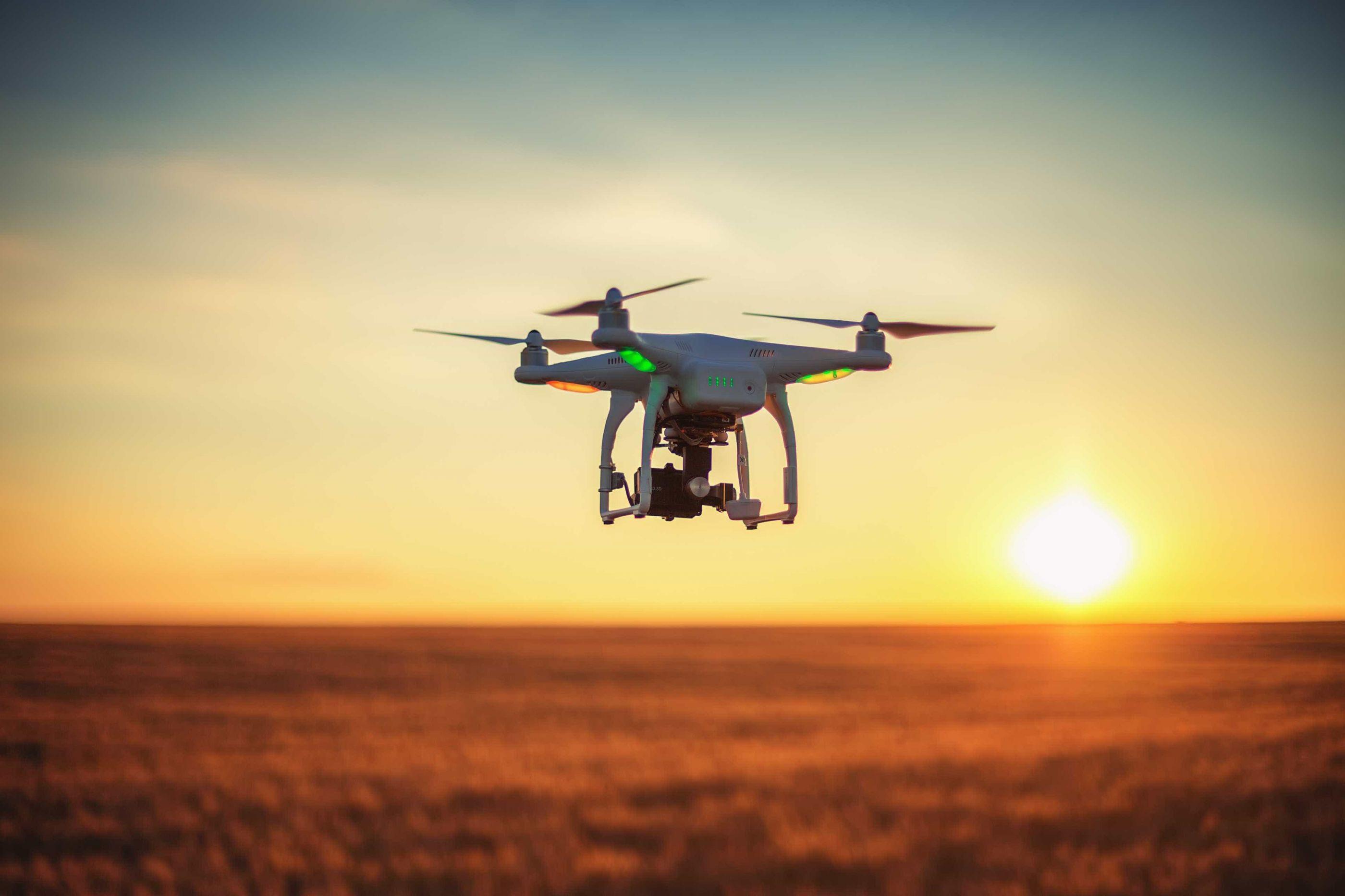 Lei sobre 'drones' criticada pelos partidos baixa à comissão sem votação