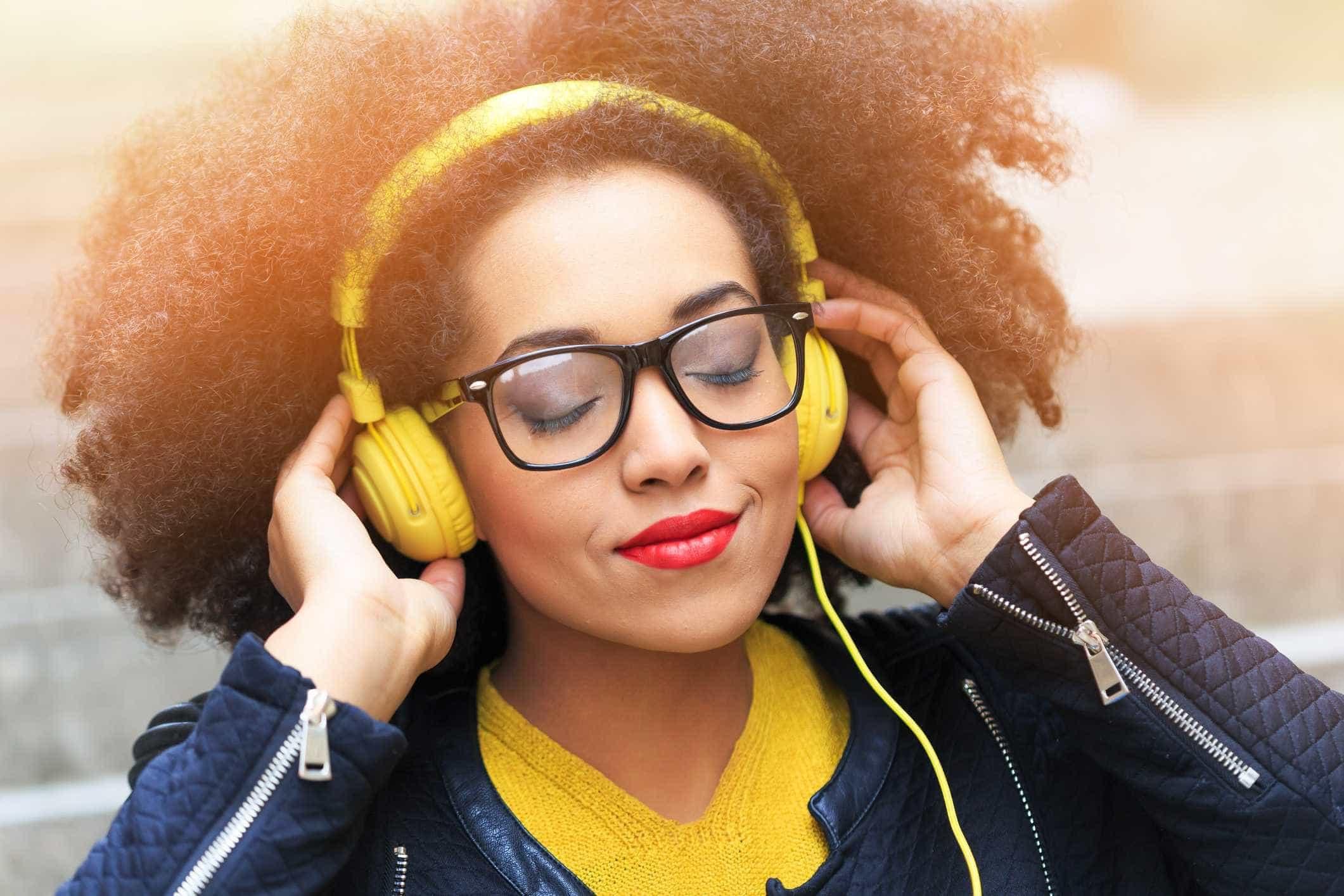 Quer comprar headphones sem fios? Eis bons motivos para não o fazer