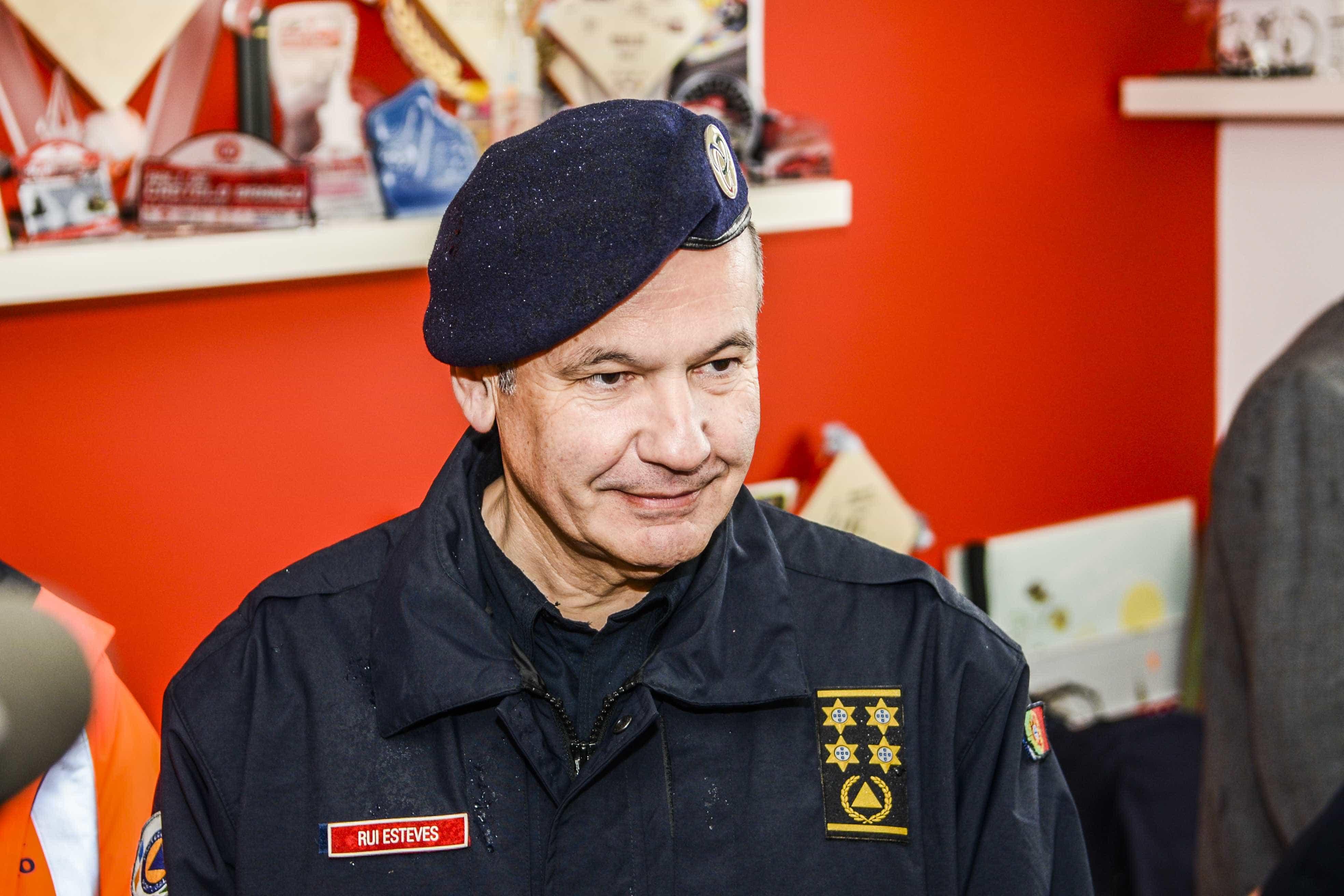 Licenciatura do antigo comandante nacional da Proteção Civil anulada