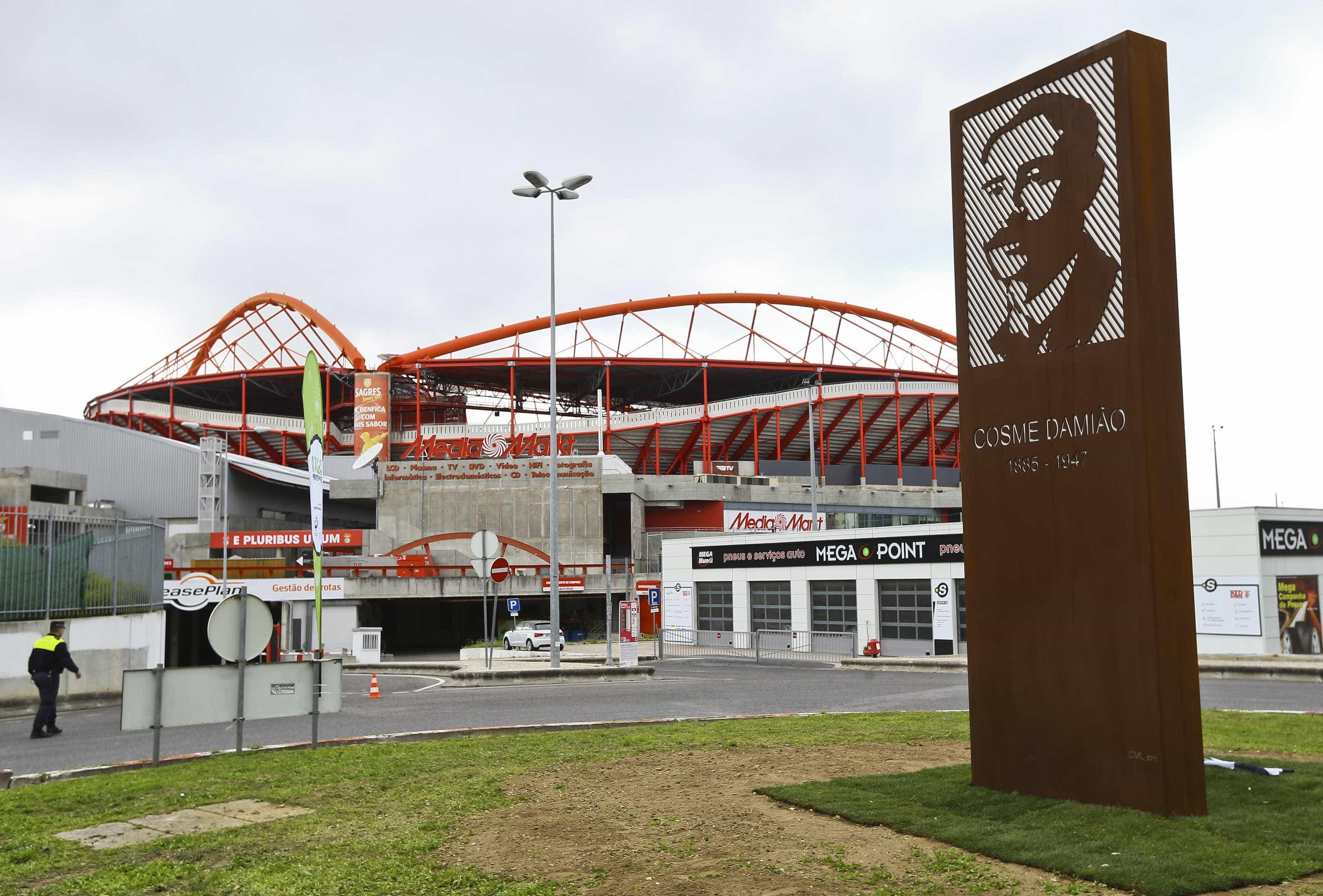 Benfica apresenta providência cautelar e suspende interdição da Luz