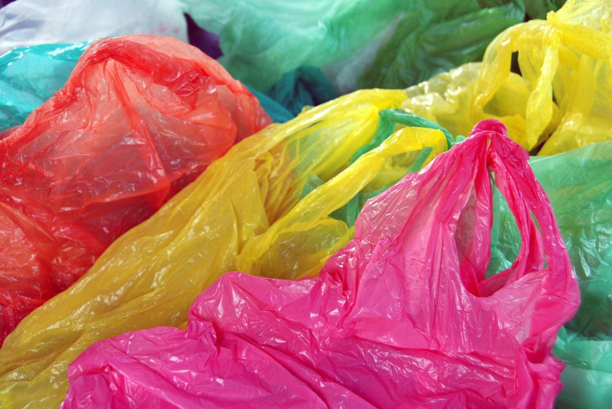 Governo quer aumentar para 12 cêntimos contribuição dos sacos de plástico