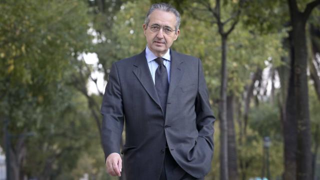 """PSD e CDS atacam representante nacional em Veneza. """"Tresanda a campanha"""""""