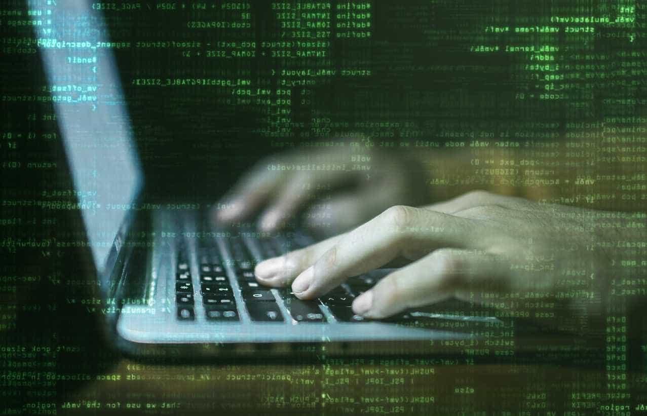 Governo quer combater comportamentos de risco na internet