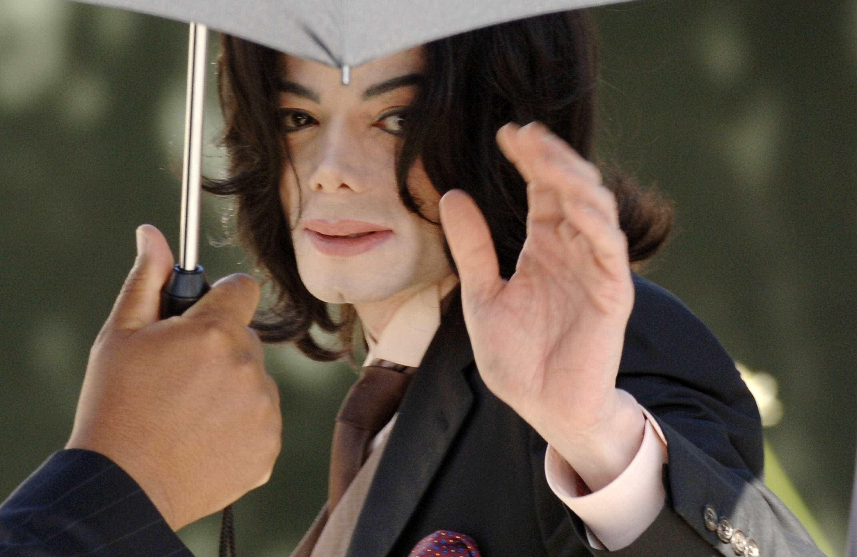 Michael Jackson terá pago silêncio de vítima de 13 anos após abusos