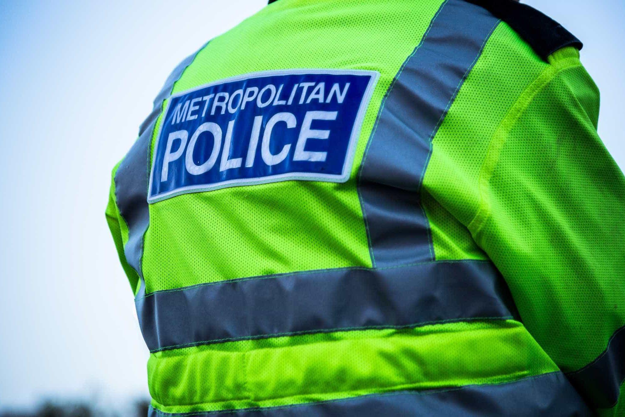 Dois adolescentes detidos for esfaqueamento mortal em Londres