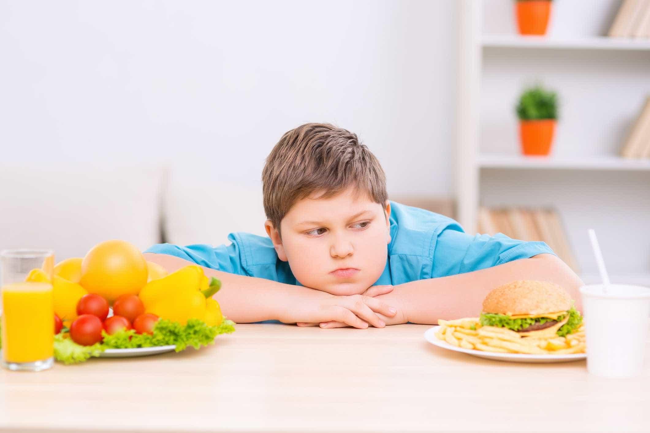 """""""Os pais acham que só a criança é que deve fazer dieta e eles não"""""""