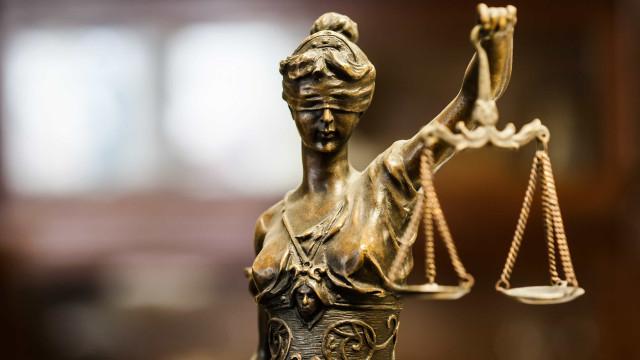 Rainha de beleza condenada a prisão perpétua. Encomendou morte do marido