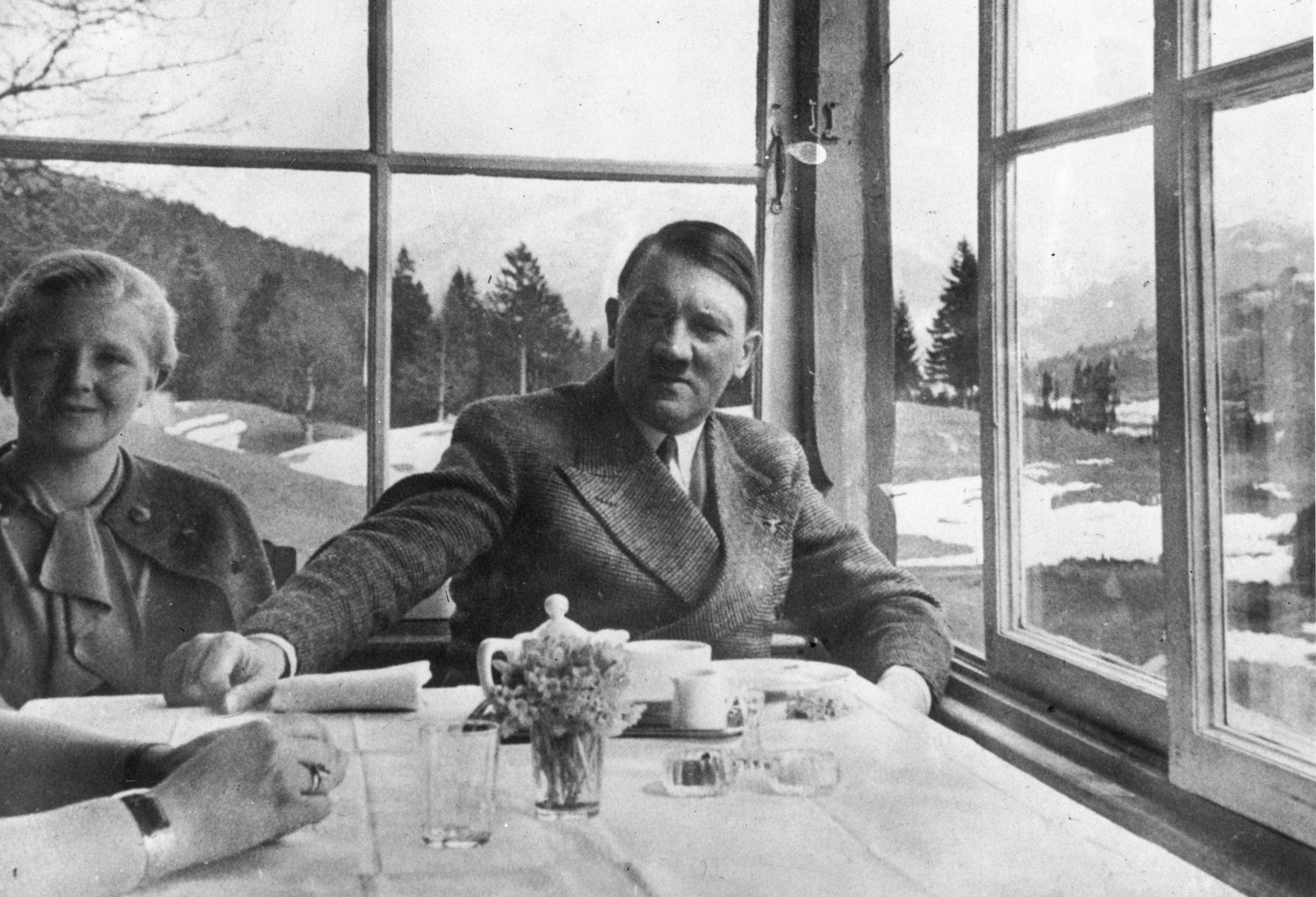 """Historiador defende que se investigue atribuição das """"pensões de Hitler"""""""