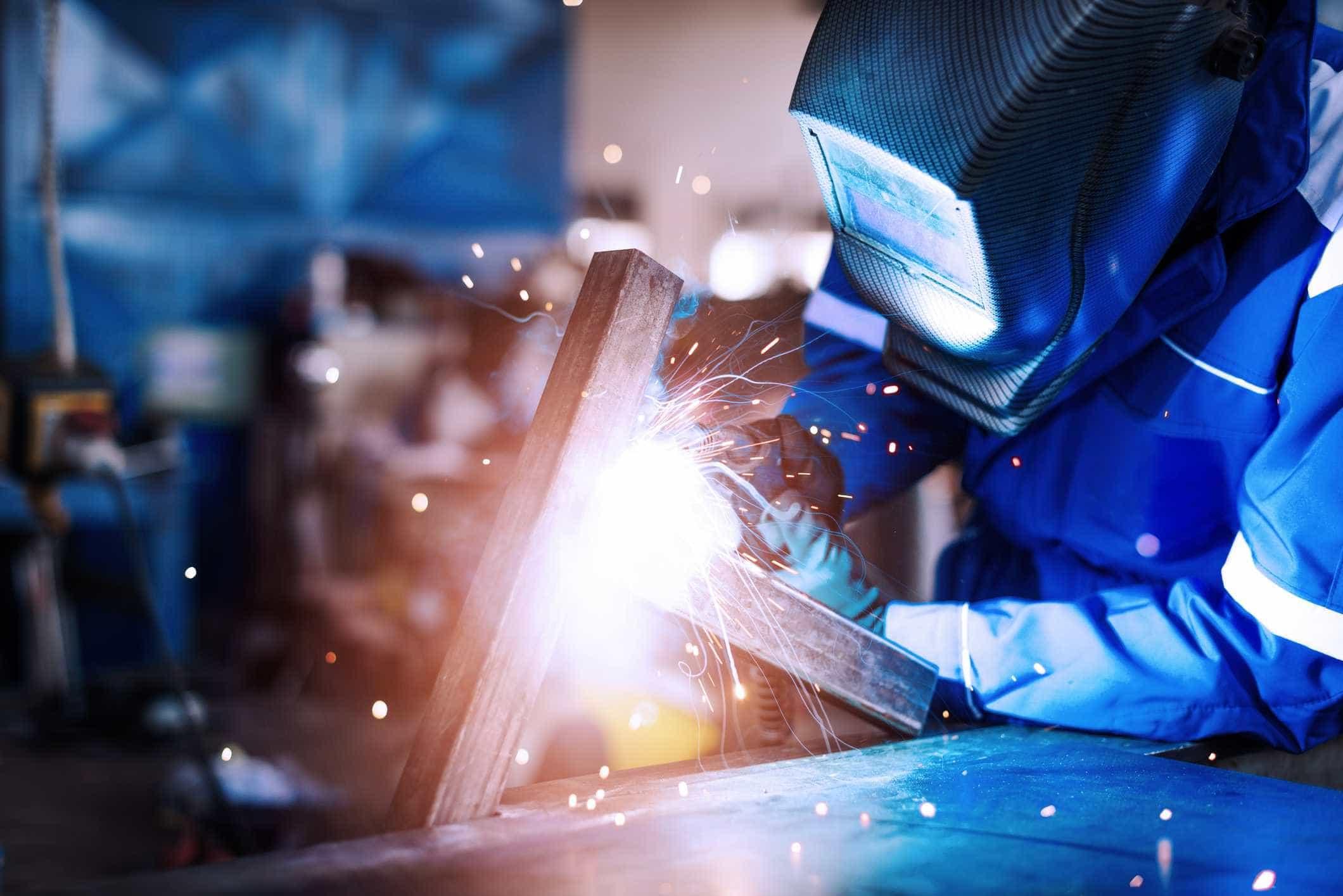 """Setor metalúrgico e metalomecânico tem """"défice"""" de 25 mil trabalhadores"""
