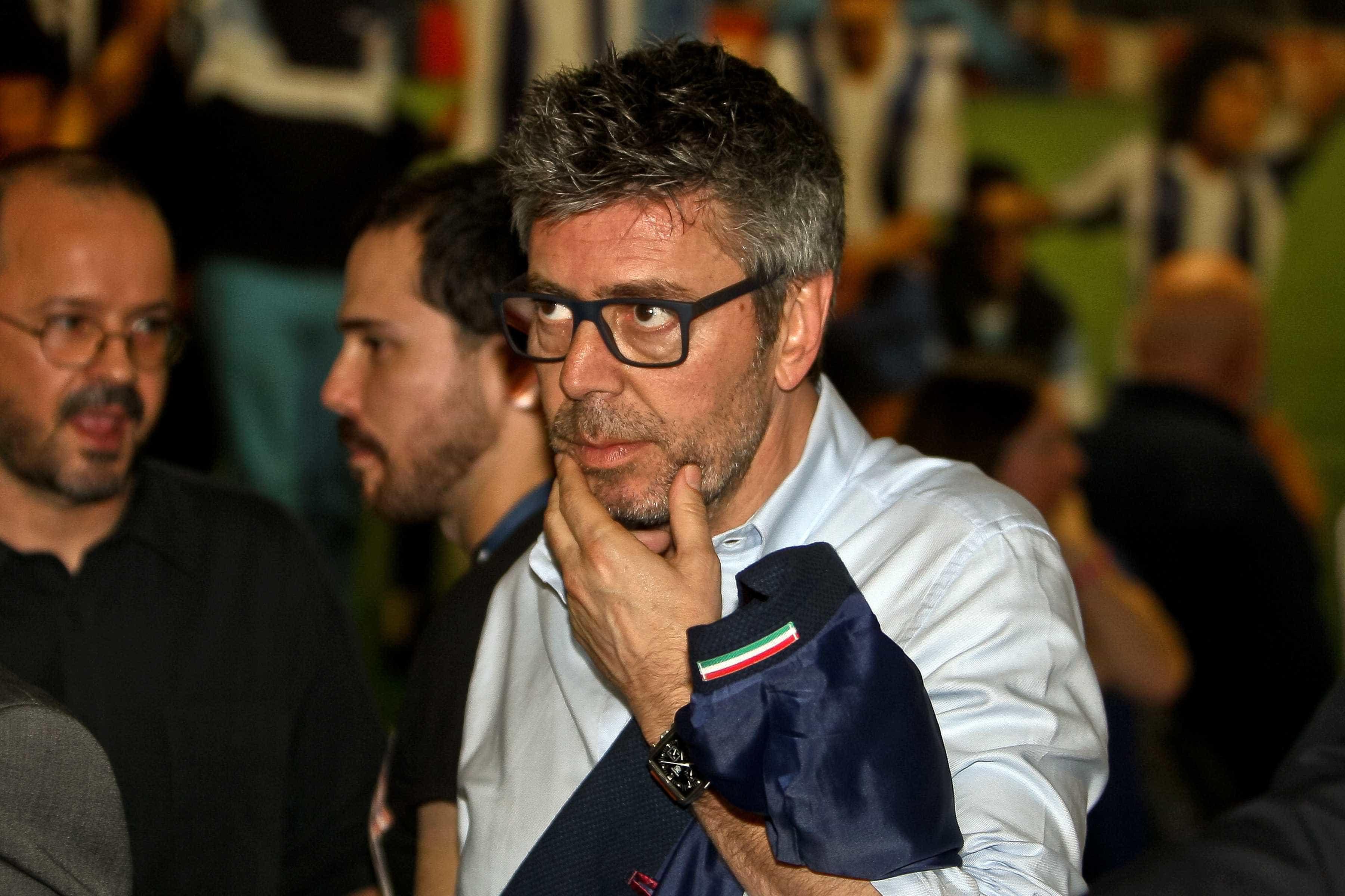 """""""Adoramos o nosso treinador e no Benfica querem despedir o deles"""""""