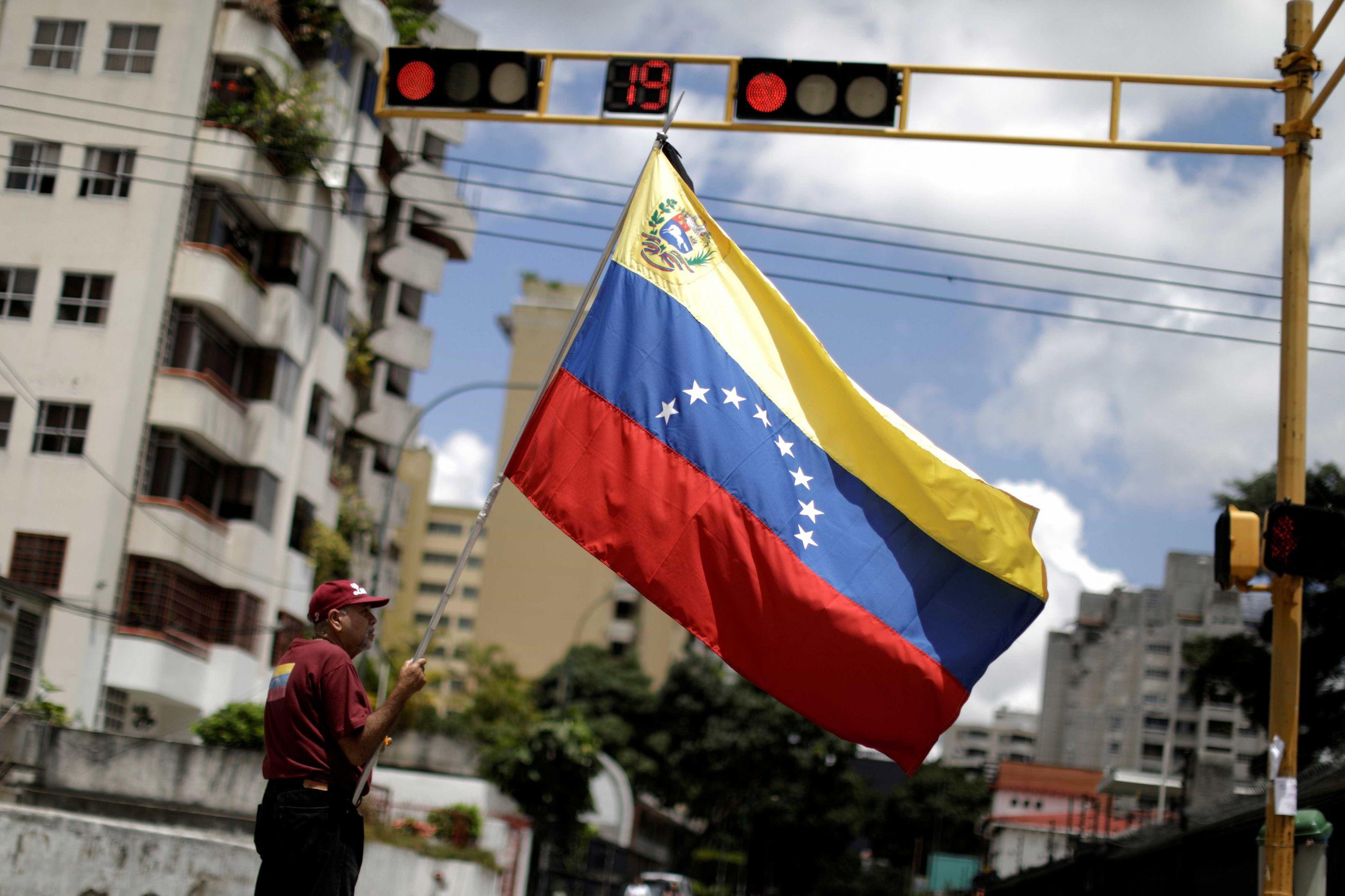 Libertado jornalista norte-americano detido em Caracas