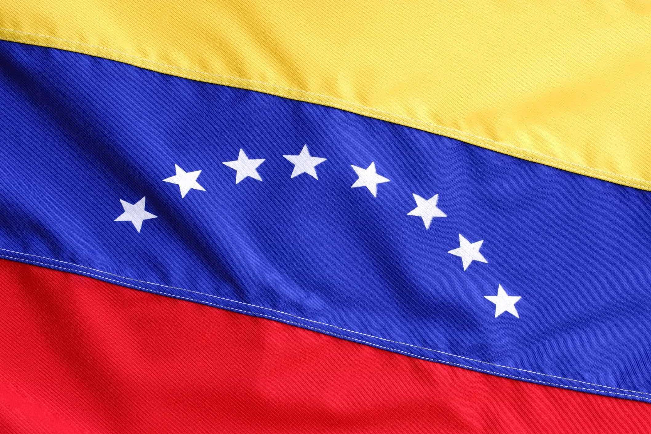 Governo venezuelano proibe saída de embarcações dos portos