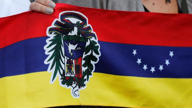 Venezuela: Parlamento insta Forças Armadas a desarmarem milícias