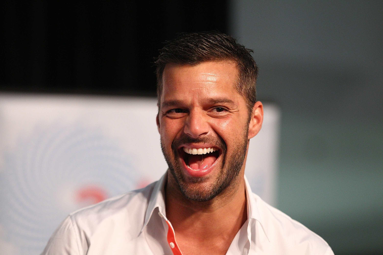 """Ricky Martin foi pai de uma """"bonita e saudável menina"""""""