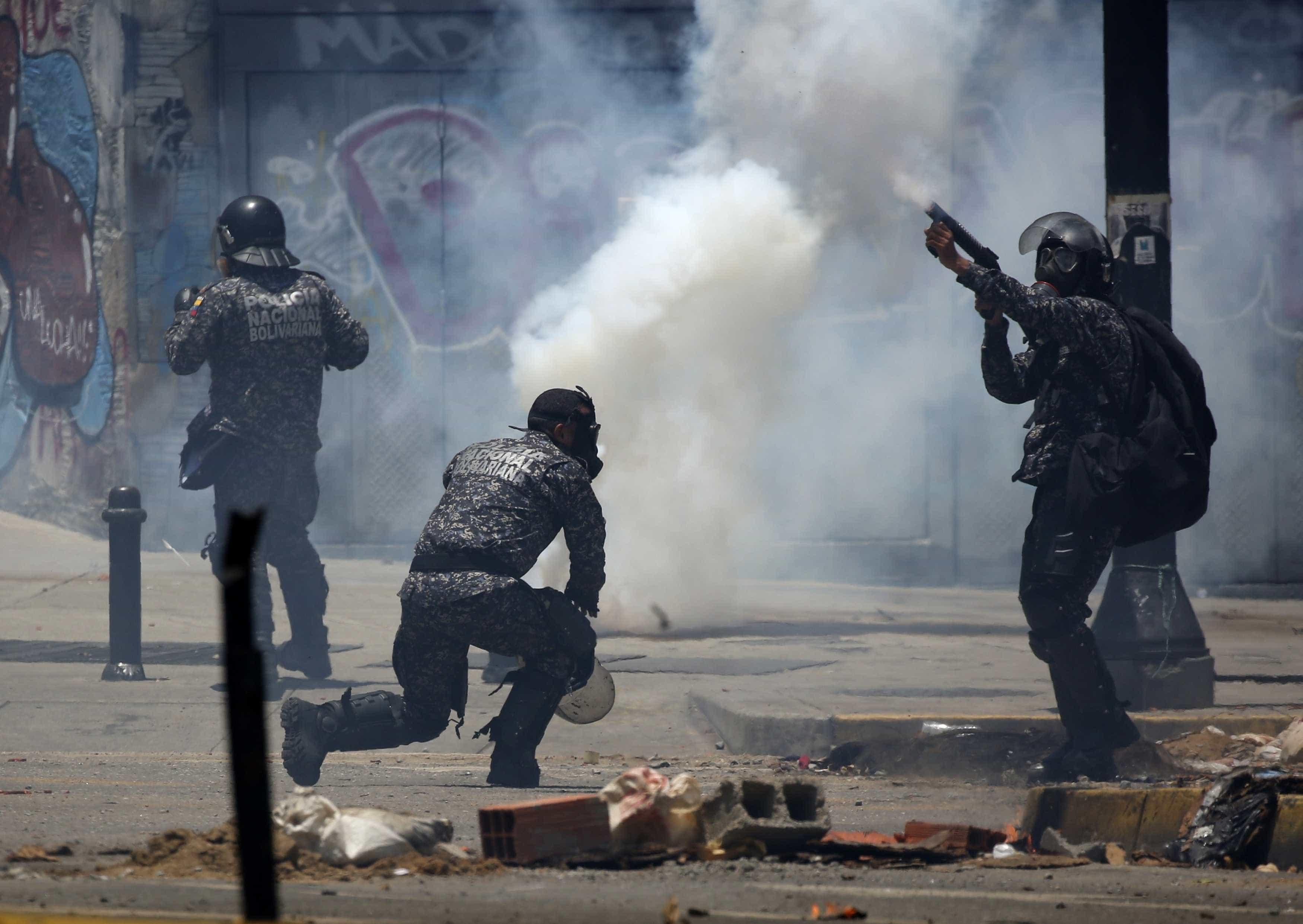 Polícia dispersa com gás lacrimogéneo marcha do Dia da Mulher