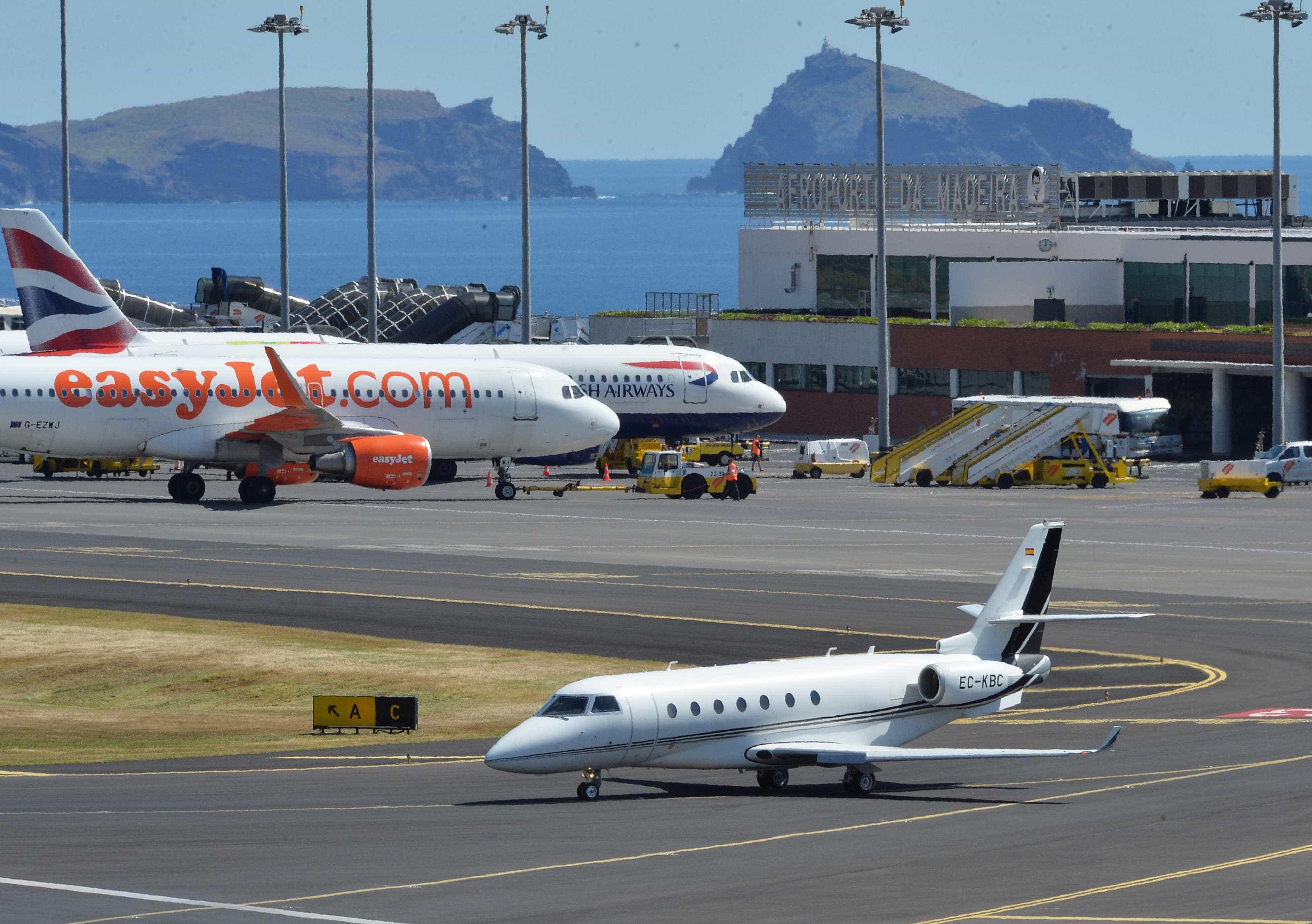 Vento forte no Aeroporto da Madeira cancelou 21 voos e fez divergir sete