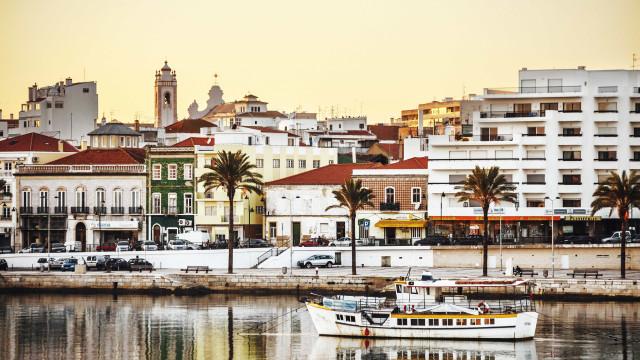 Embarcação turística afunda-se em Portimão
