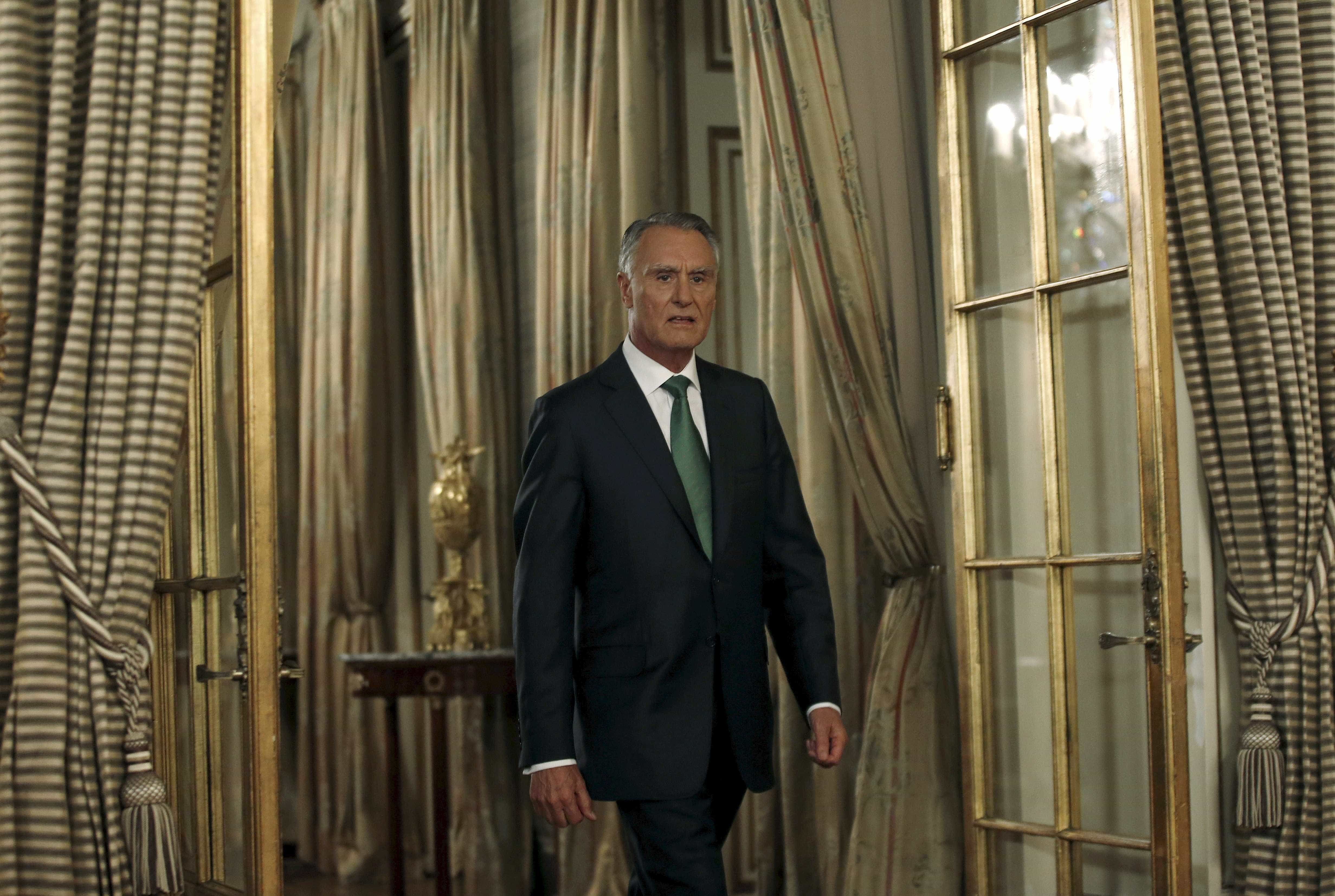 """No baú dos seus governos, Cavaco não detetou """"nenhuma ligação familiar"""""""