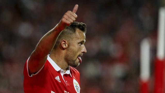 A reação de Seferovic ao jogo azarado na Croácia