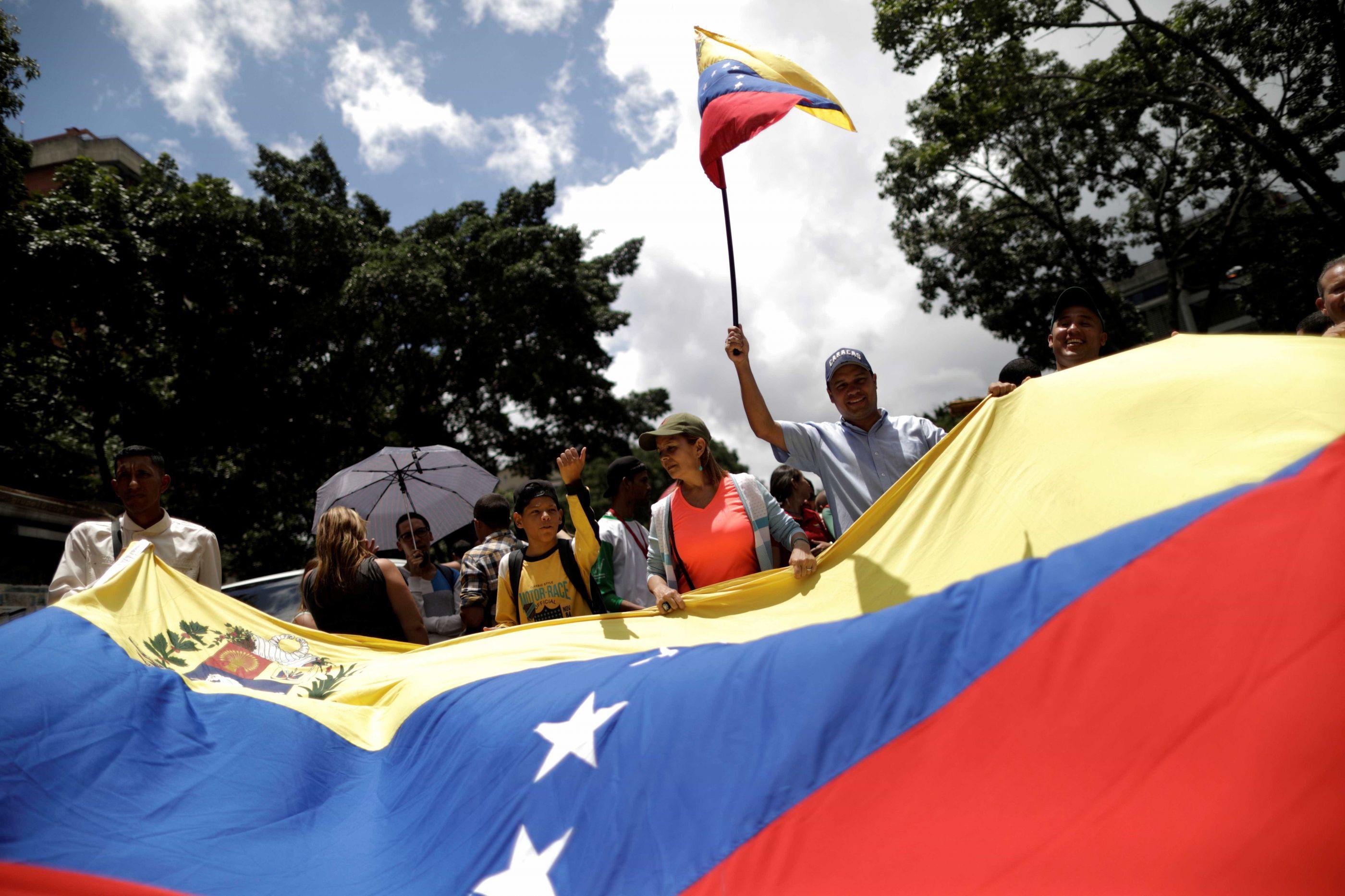 Seis mortos e 60 detidos em operação policial em Caracas