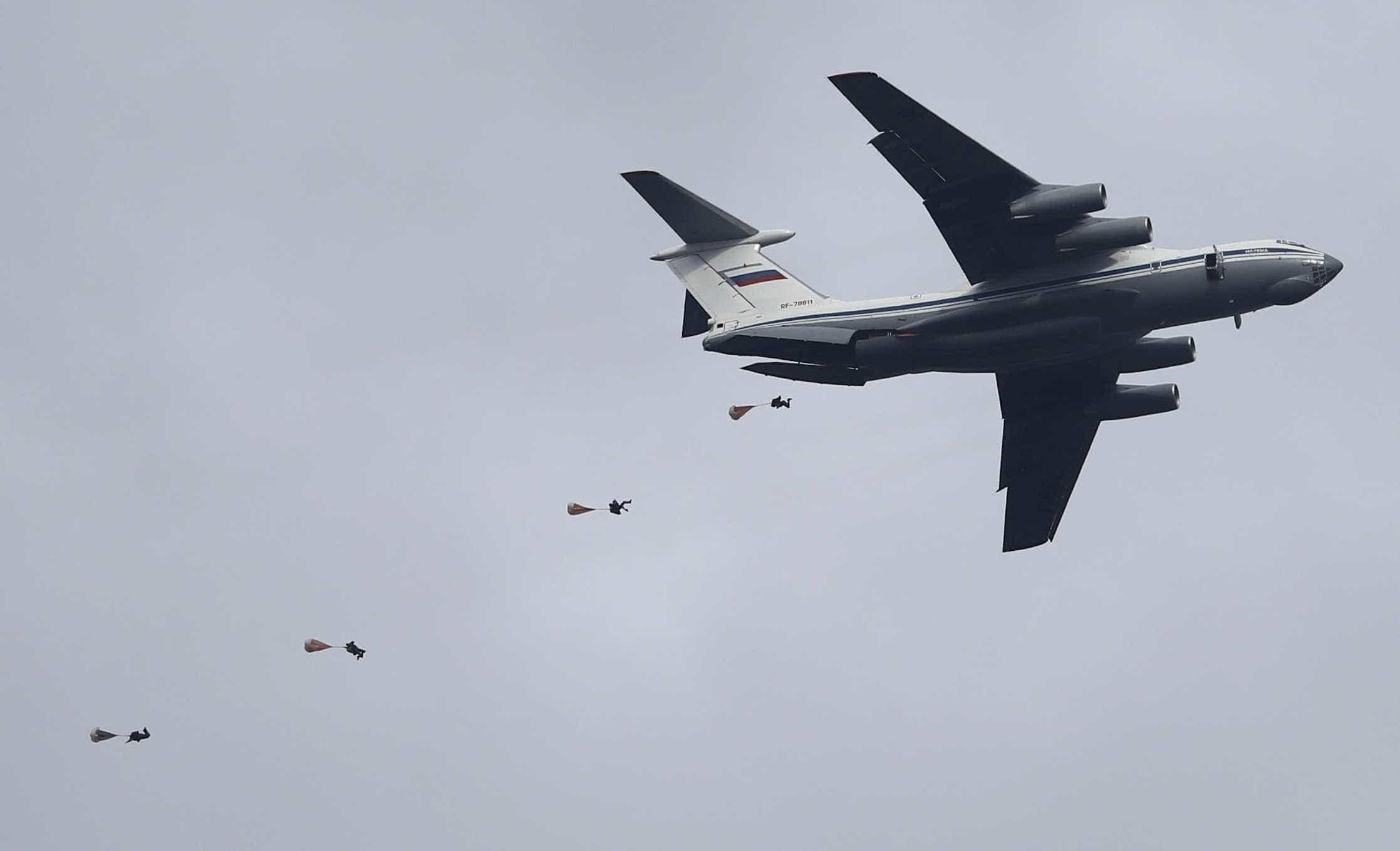 """Caracas e Moscovo anunciam exercícios militares para """"defender"""" Venezuela"""