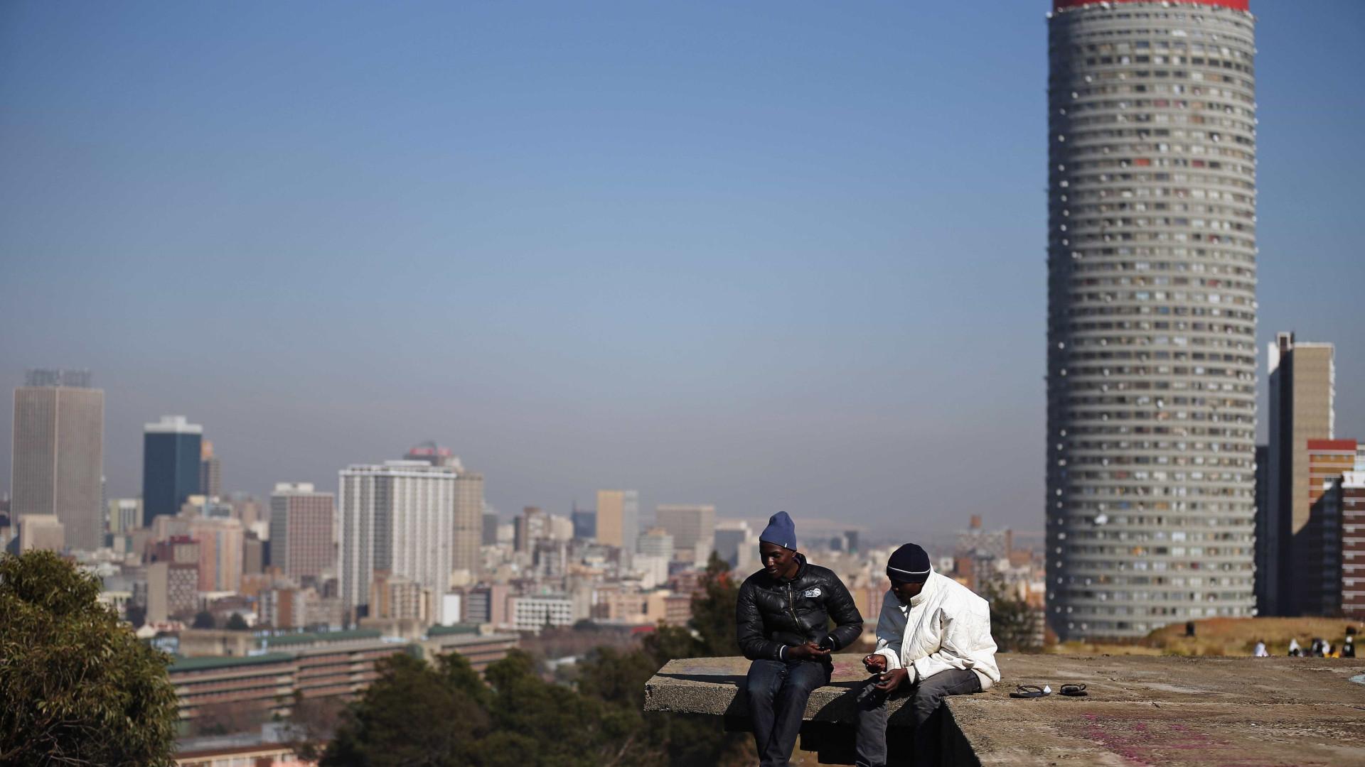 Gangue armado sequestra homem em pleno dia em Joanesburgo