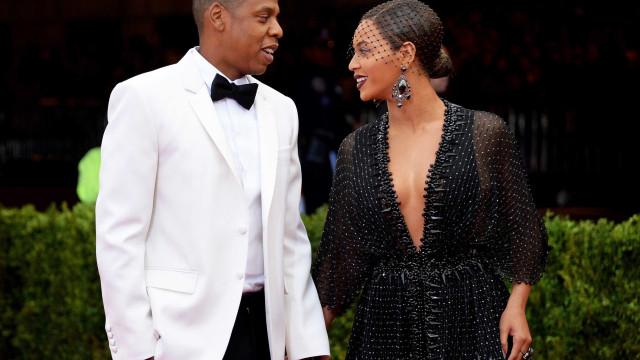 Beyoncé e Jay-Z transbordam amor e cumplicidade em evento