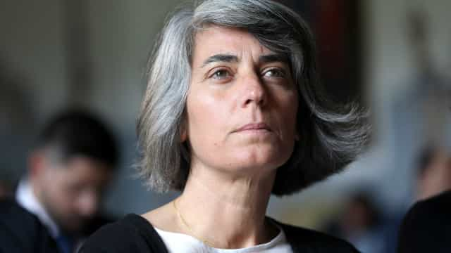Ministra Graça Fonseca lamenta morte de Dina