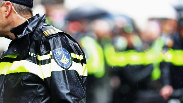 Pacote suspeito na universidade perto de Utrecht era mala com lixo